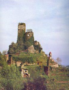 Il castello di Terzana in una foto del 1980