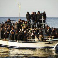 Immigrati. Uno sbarco di notte fa meno effetto