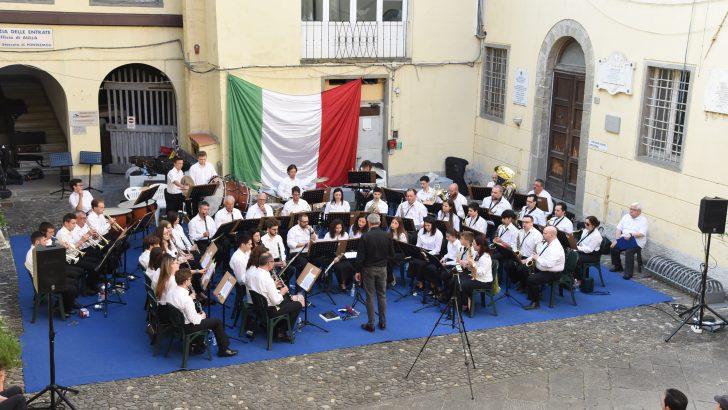 L'omaggio della Musica cittadina di Pontremoli alla Repubblica