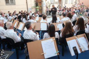 Nella foto di Walter Massari un momento del concerto della Musica Cittadina