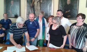 La firma della convenzione da parte del Cai di Pontremoli e Fivizzano