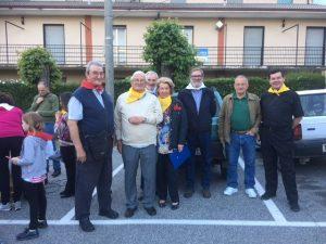 Immagine di gruppo con alcuni dei partecipanti alla minimarcia