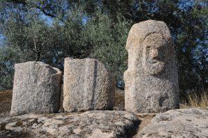 Tre frammenti della statua menhir Filitosa VI
