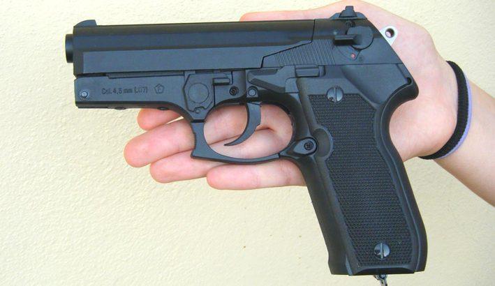 Sicurezza: quella voglia di difendersi con le armi