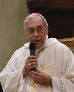 Il Vescovo diocesano, mons. Giovanni Santucci