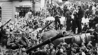 La Primavera di Praga in Cecoslovacchia schiacciata dai carri armati del patto di Varsavia