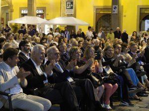 La prima fila del pubblico presente al Premio Bancarella 2018 (foto Massimo Pasquali)
