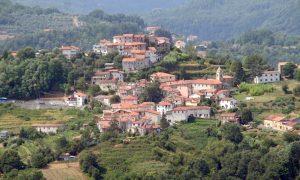 Un'immagine panoramica di San Terenzo Monti