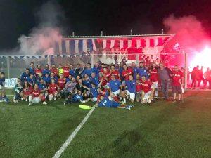 Le due squadre di San Nicolò e San Geminiano festeggiano a fine partita