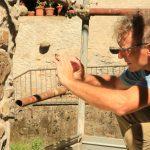 Sergio Cervietti, dell'Accademia di Belle Arti di Carrara, è uno degli esecutori del calco che ha sostituito l'originale