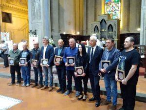 I nove donatori premiati che hanno raggiunto nel 2018 la quarta di 150 donazioni. Tra questi due lunigianesi: Domenico Bertoli e Gabriela Grossi