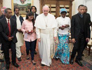 Vaticano, 24 febbraio 2018: Papa Francesco riceve in udienza i familiari di Asia Bibi