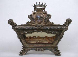Reliquiario in argento a urna (XVIII sec.)