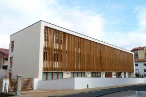 """La nuova struttura scolastica in via Martiri che ospite le classi dell'istituto """"Ferrari"""""""