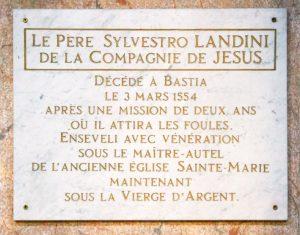 La lapide nella cattedrale di Bastia che ricorda la figura e l'opera di p. Silvestro Landini (Foto Pascal Renuci)