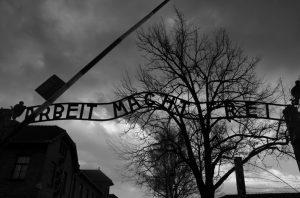 L'ingresso ad Auschwitz oggi