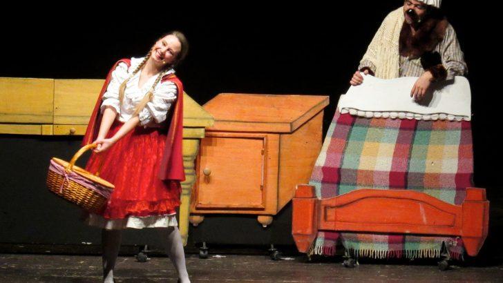 """Il teatro """"Quartieri"""" si è aperto dando spazio a musica e favole"""