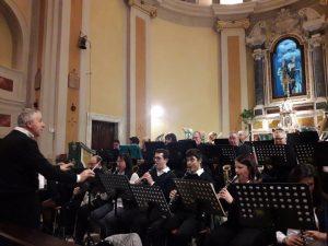 """Un momento del concerto della Banda """"Santa Cecilia"""" di Pallerone a Gragnola"""