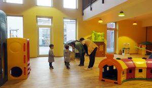 L'area giochi all'interno della struttura della scuola materna (foto Massimo Pasquali)