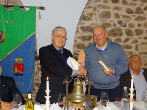 Il presidente del Panthlon, Aldo Angelini (a sinistra), con il velista Attilio Cozzani.