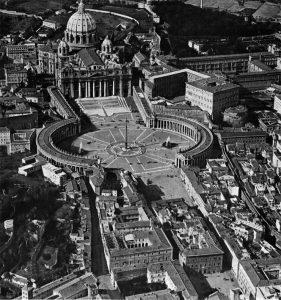 """La Città del Vaticano nel 1922: si noti la futura via della Conciliazione (realizzata a partire dal 1936) ancora occupata dalla """"Spina di Borgo"""""""