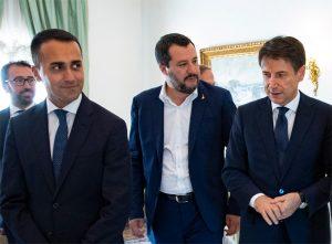 Da destra: il presidente del Consiglio dei Ministri, Conte, con i vice presidenti Salvini (Lega) e Di Maio (M5S)