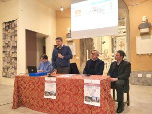Un momento dell'incontro che si è tenuto a Fivizzno alla presenza dell'assessore regionale Vittorio Bugli (il secondo da destra)