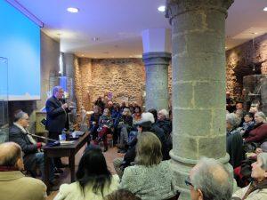 Il pubblico che ha affollato la sala capitolare in San Caprasio