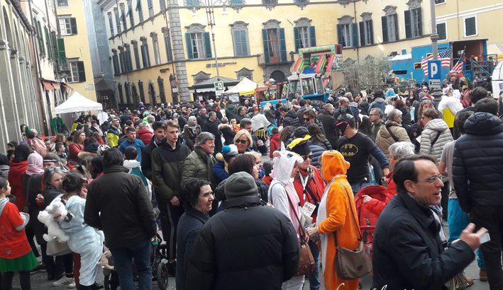 Maschere e allegria: il Carnevale a Pontremoli