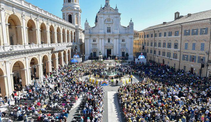 """Loreto """"capitale dei giovani"""" alla scuola di Maria"""