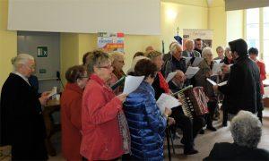 L'esibizione del Coro dell'UniTre Pontremoli-Lunigiana