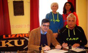 La firma della convenzione con il Mangia Trekking