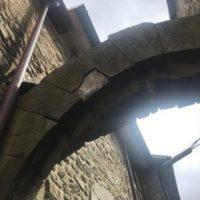 Montereggio, danni all'arco medievale
