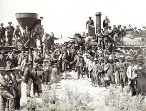 Odgen (Utah), 10 maggio 1869. La cerimonia per l'incontro dei binari della Union Pacific con quelli della Central Pacific della linea transcontinentale