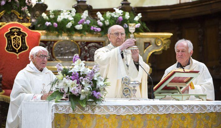 Festa a Pontremoli per i 90 anni di don Silvano Lecchini