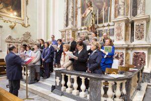 """La Corale """"S. Cecilia"""", per decenni diretta da mons. Lecchini, ha partecipato alla festa. (Foto Walter Massari)"""