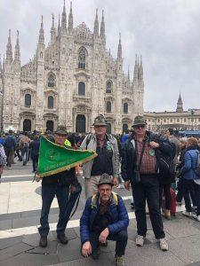 Alcuni alpini del Gruppo Pontremoli presenti alla manifestazione di Milano