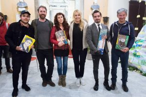 I quattro vincenti del Lunigiana Film Festival con il direttore artistico della manifestazione, il regista Daniele Cecchini, e l'ospite d'onore la conduttrice televisiva Licia Colò