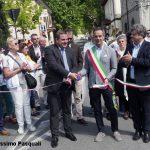 """Il neo sindaco di Fivizzano, Gianluigi Giannetti, taglia il nastro della 18.ma edizione di """"Sapori"""""""