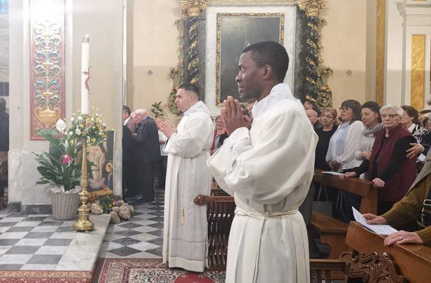Luca Signanini e Jules Ganlaky accoliti per la mensa del Signore