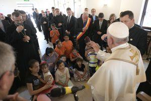 Viaggio apostolico in Romania: incontro con la Comunità Rom di Blaj