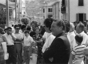 Marino Bertocchi, sindaco, nei primi anni Ottanta in occasione dell'intitolazione di via Oderzo a Pontremoli