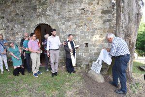 Lo scoprimento della lapide a ricordo della prima missione di p. Landini, avvenuta a Gragnana nel 1547