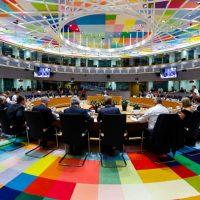 """""""Emissioni zero"""" nel 2050, l'Europa rinvia"""