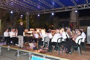 Un momento del concerto serale della Musica Cittadina Pontremoli a Cascina
