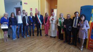 Inaugurazione scuola Villafranca - foto di gruppo delle autorità (foto Massimo Pasquali)