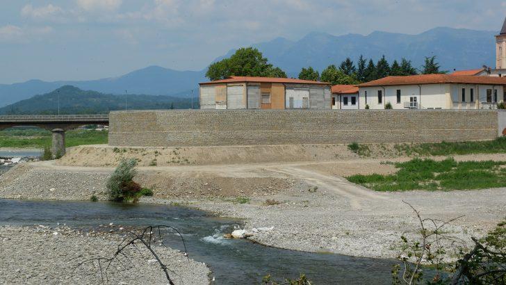 In corso le opere di mitigazione dell'argine di Aulla