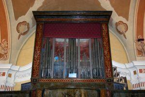 Carola in Lunigiana, Pieve di Offiano. Qui si conserva l'organo più antico della provincia appanna