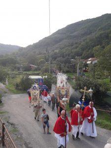 Un momento del pellegrinaggio per giungere alla Pieve di Codiponte
