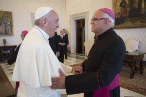 Papa Francesco con mons. Alvaro Ramazzini Imeri